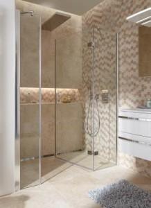Fast unsichtbar: Die neue Walk In-Lösung mit dem innovativen Wandprofil für 8 mm Echtglas-Duschabtrennungen sorgt für höchste Transparenz und individuellen Gestaltungsspielraum im Bad.