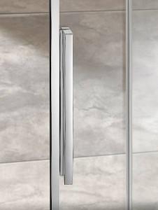 Der ergonomisch elegante Riegelgriff ermöglicht den Nutzern ein komfortables Handling der Duschkabine. Bildnachweis: HSK Duschkabinenbau KG